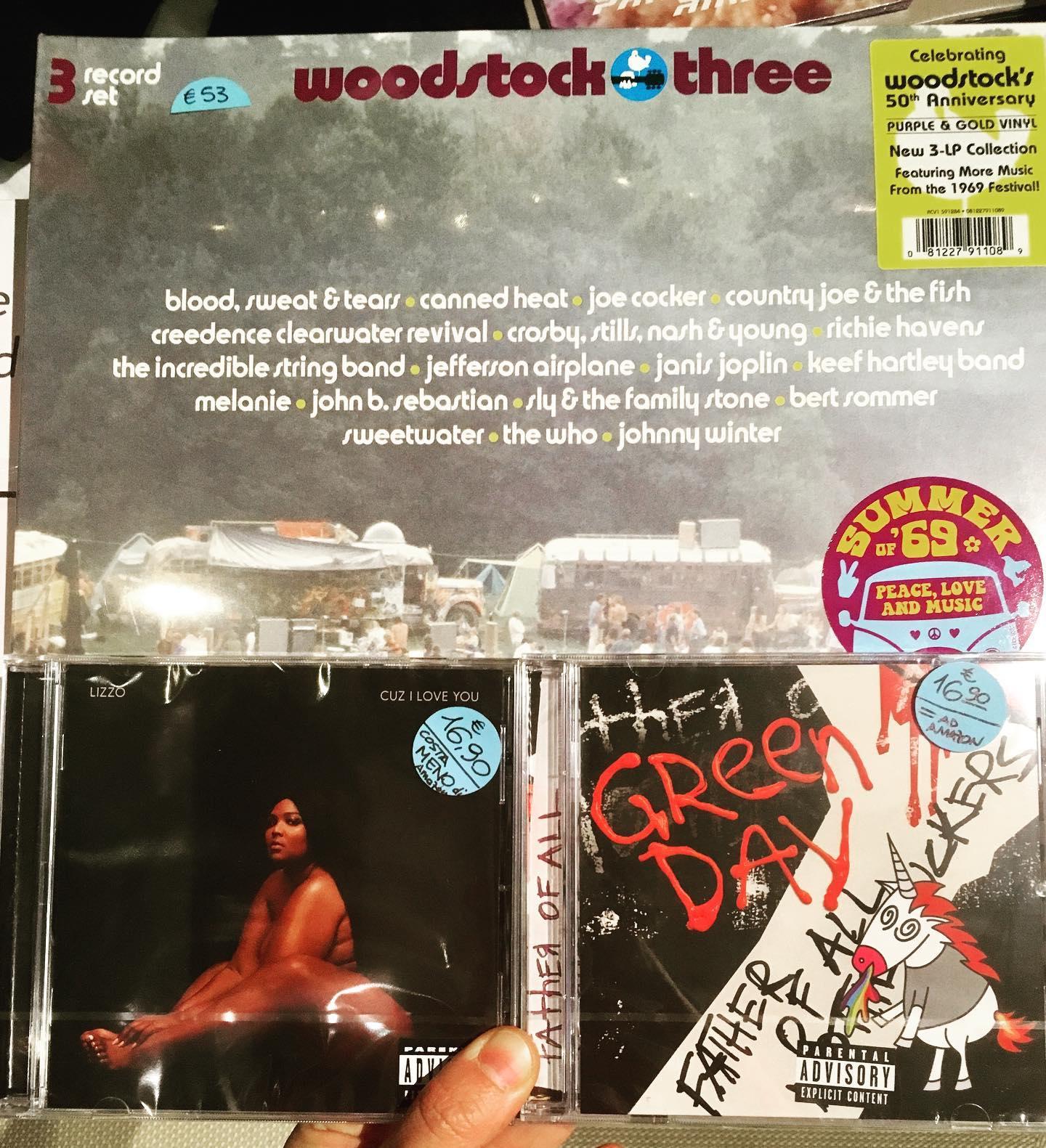 Casa del Disco Faenza, dischi Lizzo, Green Day, Woodstock